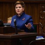 Sondaż: poprawa notowań rządu PiS, ale przed Beatą Szydło trudny test